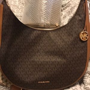 BRAND NEW MICHAEL KORS LYDIA LARGE HOBO